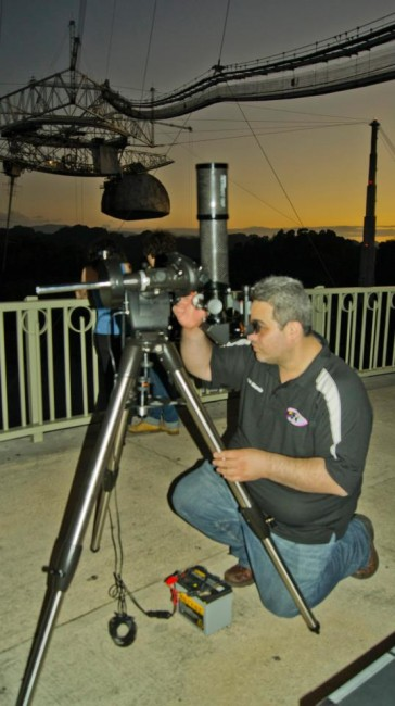 Thats me, aligning the Orion ED80T-CF atop a CG-5 equatorial mount at a public outreach event of the Sociedad de Astronomía del Caribe at the Arecibo Radio Observatory, Puerto Rico