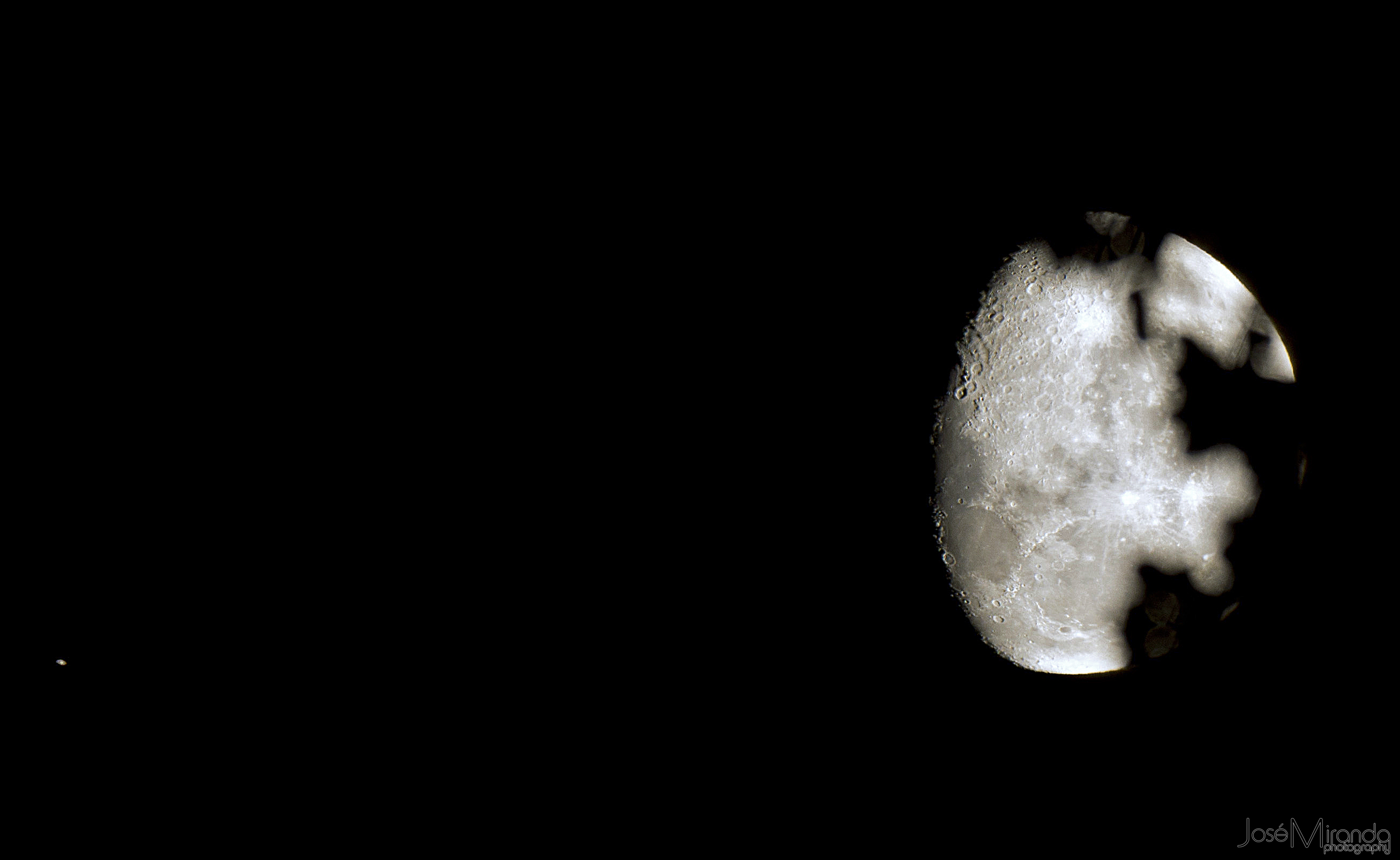 Conjunction of the Moon and Saturn, just clearing the tree tops